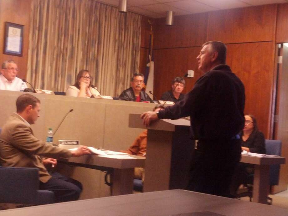 Above Plainview Fire/EMS Chief Rusty Powers explains the deadly possibilities of synthetic pot use during Thursday City Council meeting. Photo: Homer Marquez/Plainview Herald