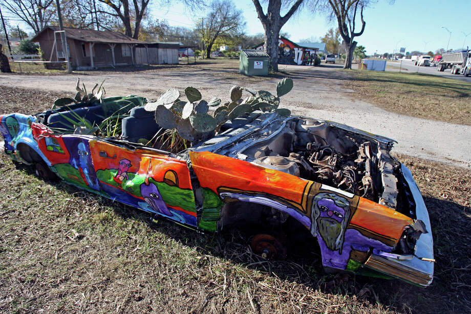 The Planet K painted art car in San Marcos, Texas. Photo: TOM REEL / SAN ANTONIO EXPRESS-NEWS / SAN ANTONIO EXPRESS-NEWS