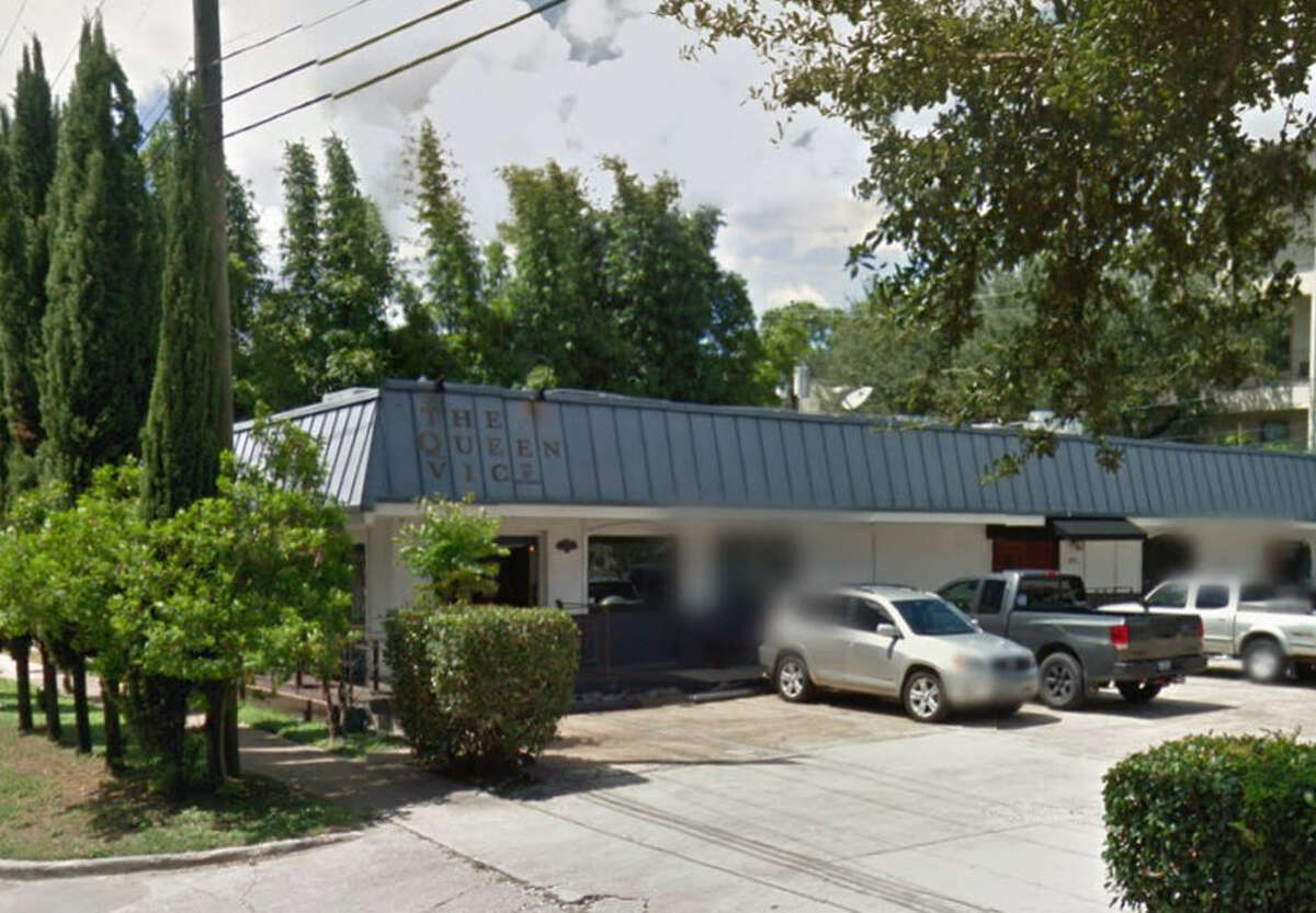 The Queen Vic Pub Address: 2712 Richmond, Houston, Texas 77098 Demerits: 11 Inspection highlights: Observed black slime at ice chute; Ice not fit for human consumption.