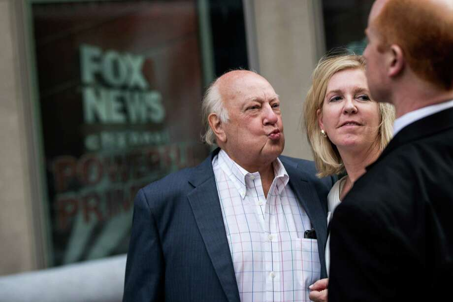 NEW YORK, NY - JULY 19: Fox News chairman Roger Ailes walks with his wife Elizabeth Tilson as they leave the News Corp building, July 19, 2016 in New York City. As of late Tuesday afternoon, Ailes and 21st Century Fox are reportedly in discussions concerning his departure from his position as chairman of Fox News. (Photo by Drew Angerer/Getty Images) *** BESTPIX *** Photo: Drew Angerer, Staff / 2016 Getty Images