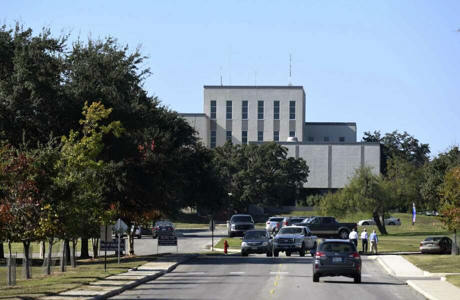The Southwest Research Institute has won two Department of Energy contracts to develop new power plant turbine technology.  The contracts, valued at $1.2 million, build on other energy development work the San Antonio-based research and development organization has recently won. Photo: Billy Calzada /San Antonio Express-News / San Antonio Express-News