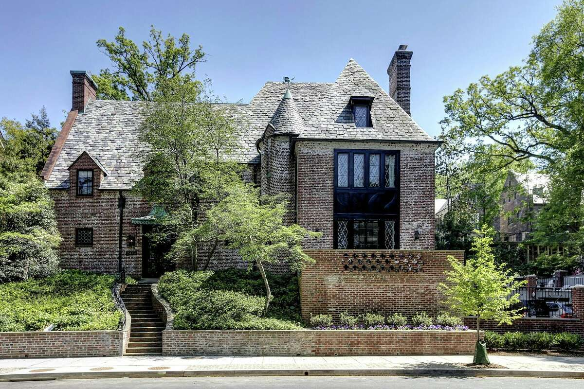 When the Obamas left the White House, they began leasing this 8,200-square-foot house in the Kalorma neighborhood of Washington D.C. Now they're buying the property.