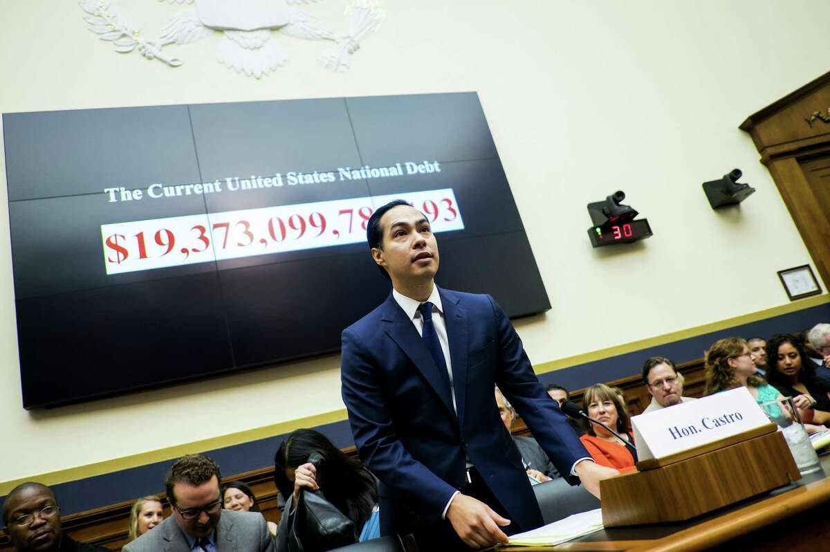 Julian Castro, secretary of U.S. Housing and Urban Development (HUD), speaks during a House Financial Services Committee hearing in Washington, D.C., U.S., on Wednesday, July 13, 2016. Distressed Asset Stabilization Program recoveries were 16% higher than recoveries on assets conveyed through traditional foreclosure action in last fiscal year, Castro said. Photographer: Pete Marovich/Bloomberg