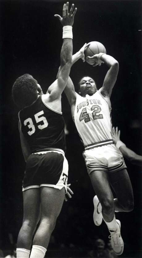"""Michael """"Silent Assassin"""" Young was another local product on the UH team and, like Clyde Drexler, a first-round NBA draft pick. Photo: John Everett, HC Staff / Houston Chronicle"""