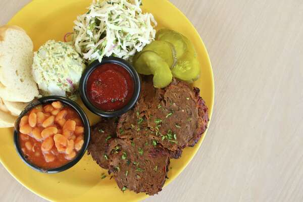 Señor Veggie offers a satisfying seitan barbecue plate. Seitan is a wheat-based meat substitute treated like a pork shoulder at the restaurant.