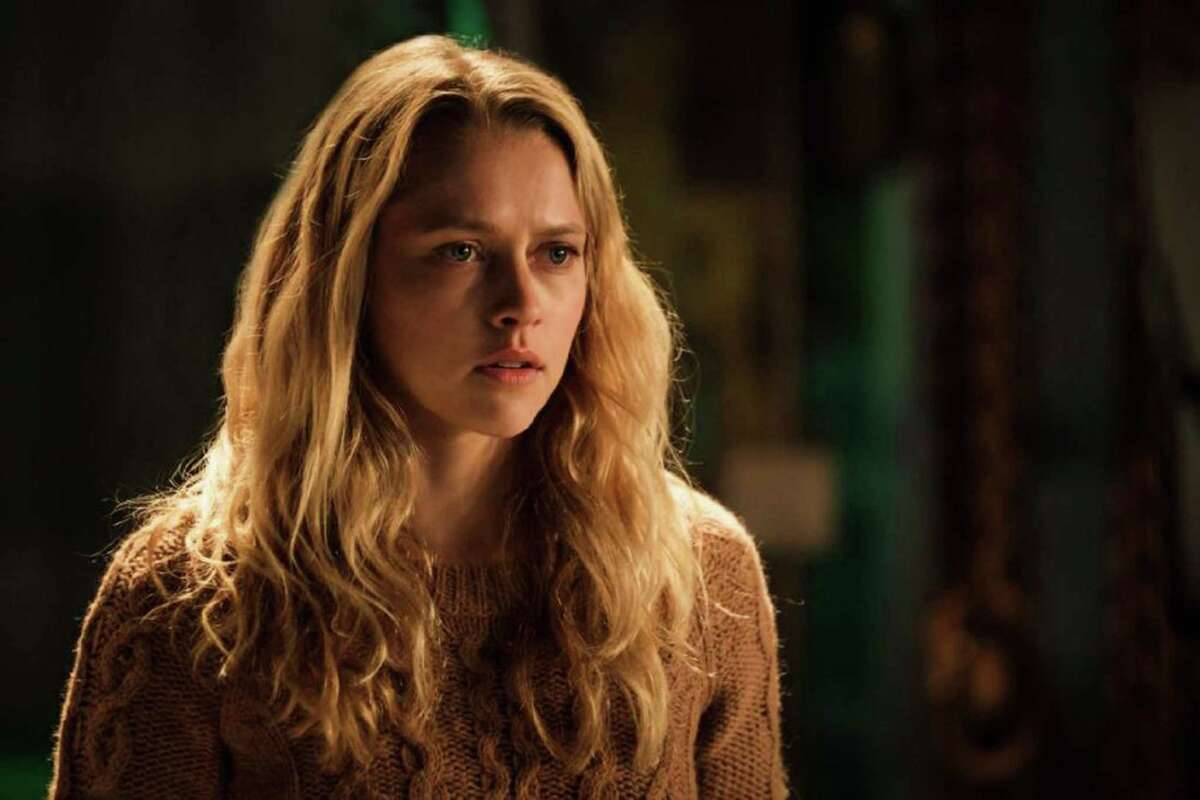 """Teresa Palmer in """"Lights Out."""" (Photo courtesy Warner Bros. Entertainment/TNS)"""
