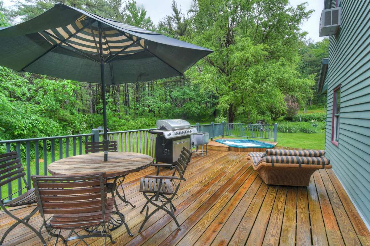 House of the Week: 14 Coons Road, Brunswick | Realtor: Jeffrey Decatur of Re/Max Capital | Discuss: Talk about this house