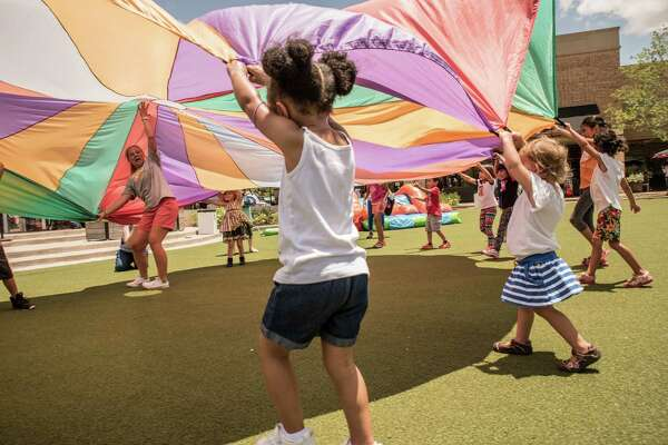 Summer Fun Fest returns on July 31 from 12-4 p.m. in the Courtyard at LaCenterra at Cinco Ranch.