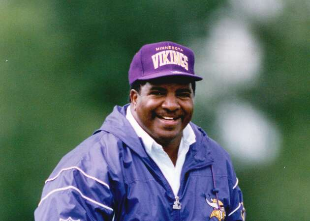 Dennis Green: Pioneering football coach passes away at 67