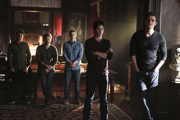 """The Vampire Diaries -- """"I\'m Thinking of You All The While"""" -- Image Number: VD622b_0189.jpg -- Pictured (L-R): Michael Trevino as Tyler, Matt Davis as Alaric, Zach Roerig as Matt, Ian Somerhalder as Damon and Paul Wesley as Stefan -- Photo: Annette Brown/The CW -- © 2015 The CW Network, LLC. All rights reserved."""