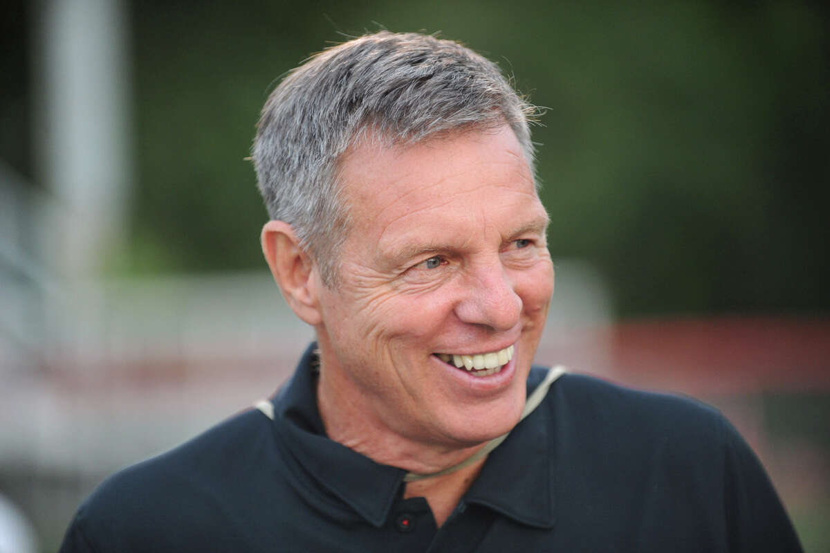 New Canaan football coach Lou Marinelli, will inducted into the Fairfield County Sports Hall of Fame this fall.