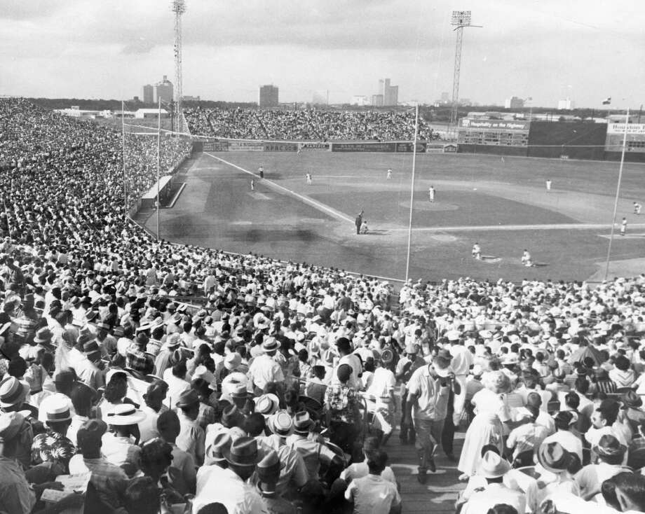 06/10/1962 - 60,000 eyes on Colts: Biggest crowd ever to see a major league game in Texas, 33,145, fills every seat in Colt Stadium for Sunday's double-header with the Los Angeles Dodgers. About 1,000 were turned away. Photo: Ted Rozumalski, HC Staff / Houston Chronicle