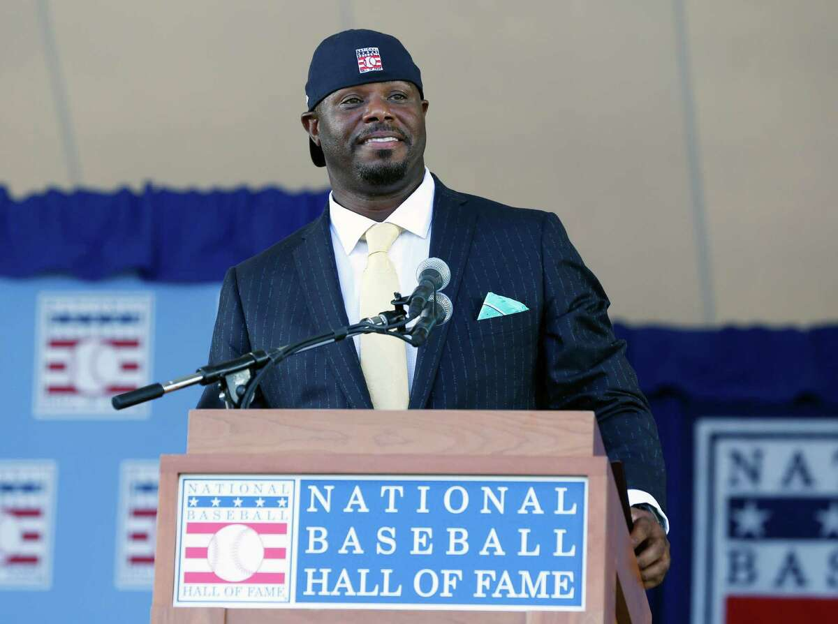 National Baseball Hall of Fame inductee Ken Griffey Jr. speaks during the induction ceremony at Clark Sports Center on Sunday, July 24, 2016, in Cooperstown, N.Y. (AP Photo/Mike Groll)