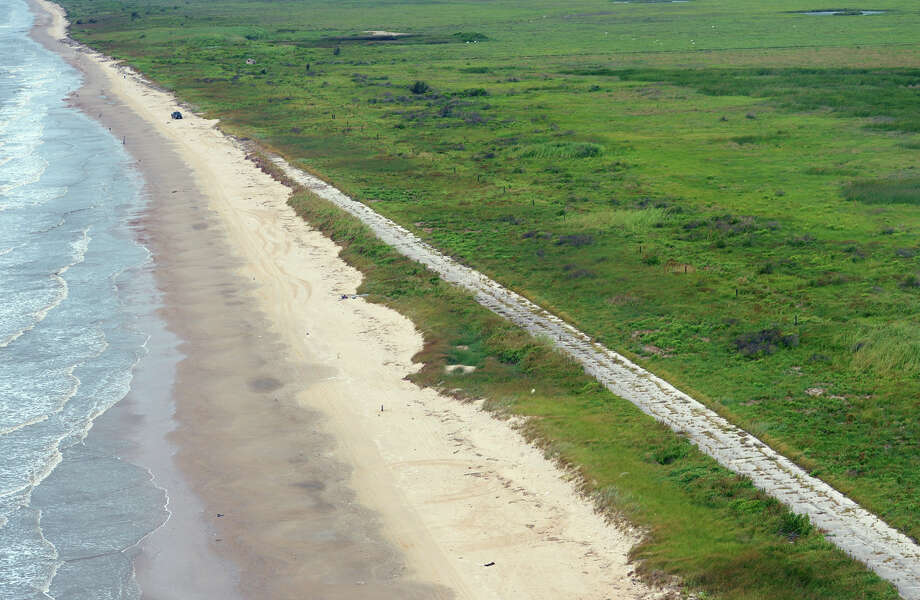 3 Southeast Texas Locations To Host Adopt A Beach Cleanup