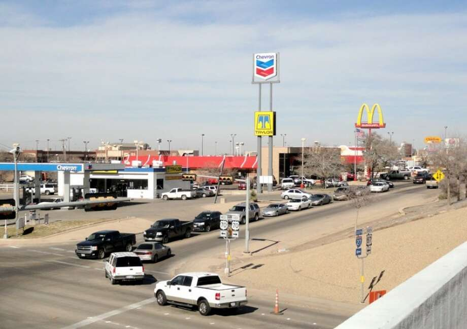 Carmen Ortega/Plainview HeraldThe congested two-way access roads in the vicinity of I-27 and U.S. 70 could soon be a thing of the past with a planned TxDOT project. A public meeting to review those plans will be held at 5:30 p.m. Monday in the La Mesa Elementary School gym, 600 S. Ennis.