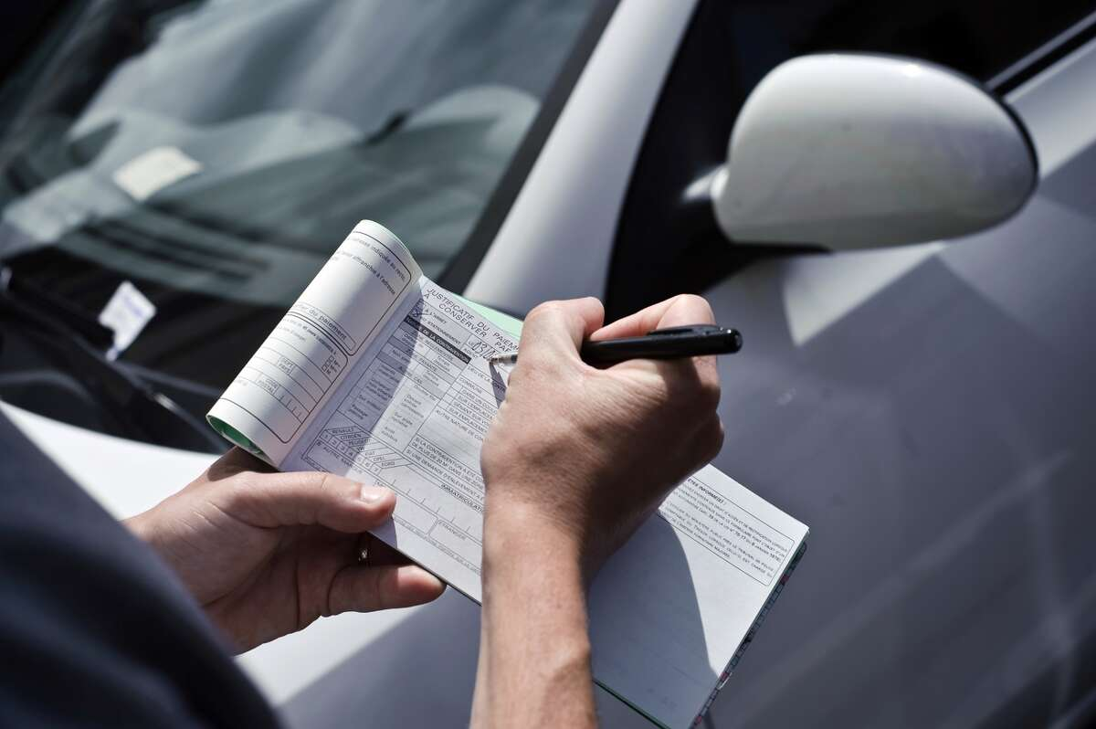 KEEP CLICKING FOR DRIVING TIPS TO MAKE YOUR TRIP GO SMOOTHLY.