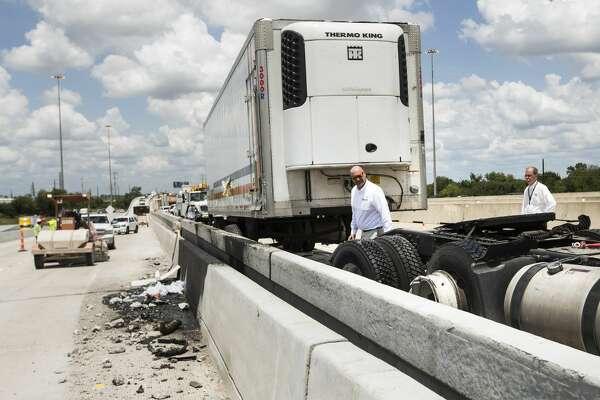 Truck crash blocks U S  290 in NW Houston - HoustonChronicle com