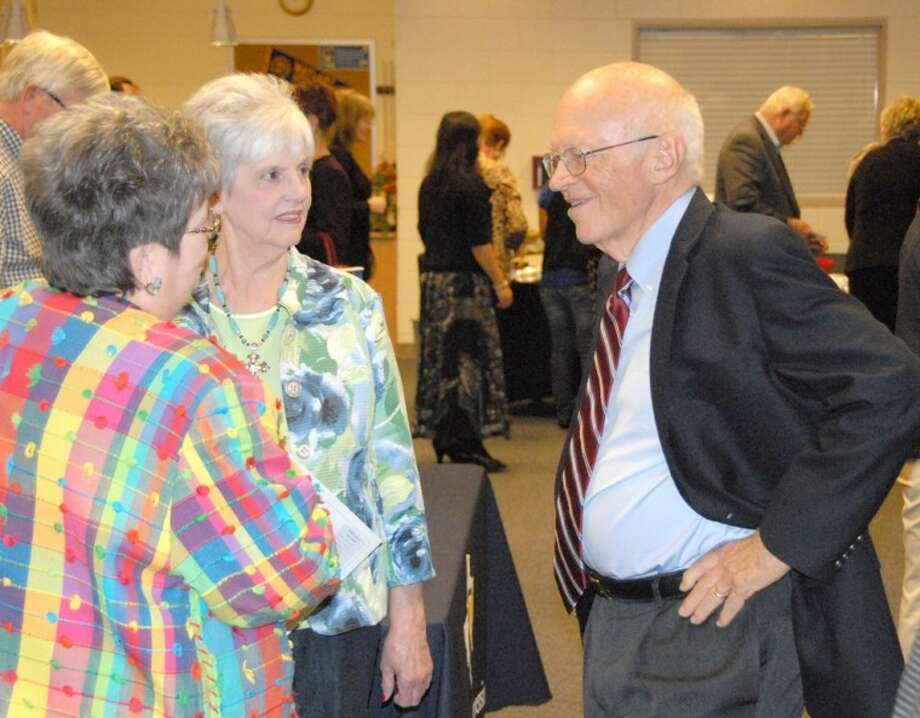 "Wayland Baptist University PhotoDr. Ken Blanchard speaks with Wayland professors Dr. Linda Hutcherson (middle) and Dr. Barbara Carr at a reception in the Laney Student Activity Center following the Willson Lectures on Tuesday. Blanchard, author of ""The One Minute Manager"" and ""Lead Like Jesus,"" was featured speaker for the series."