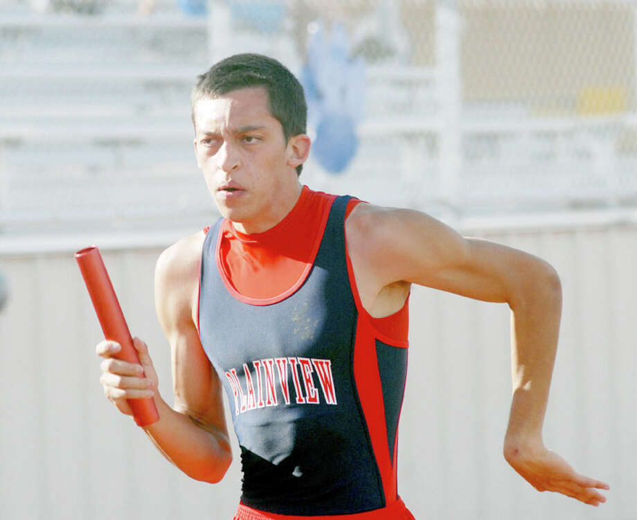 Jordan Masters and his teammates on the Bulldogs' 800-meter relay team — Ruben Lopez, Chris Salazar and Kendrick Fennell — finished second at the District 3-4A meet Thursday in Wolfforth to qualify for regionals. The quartet also advanced in the 400 relay, which they won, and in the 1,600 relay, where they finished third. Photo: Summer Morgan/Plainview Herald
