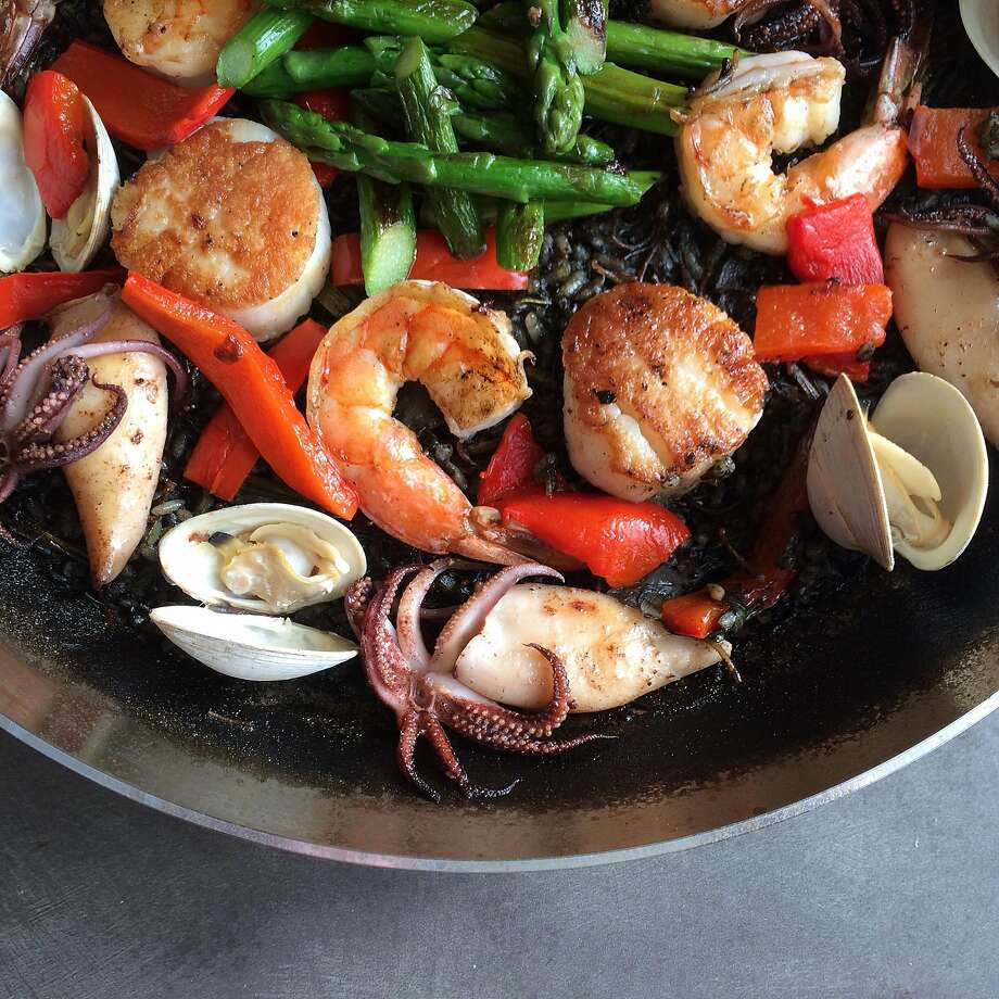 """SF Treat"" Fideau Paella With Shrimp, Scallops, Asparagus & Squid Photo: Sarah �Fritsche"