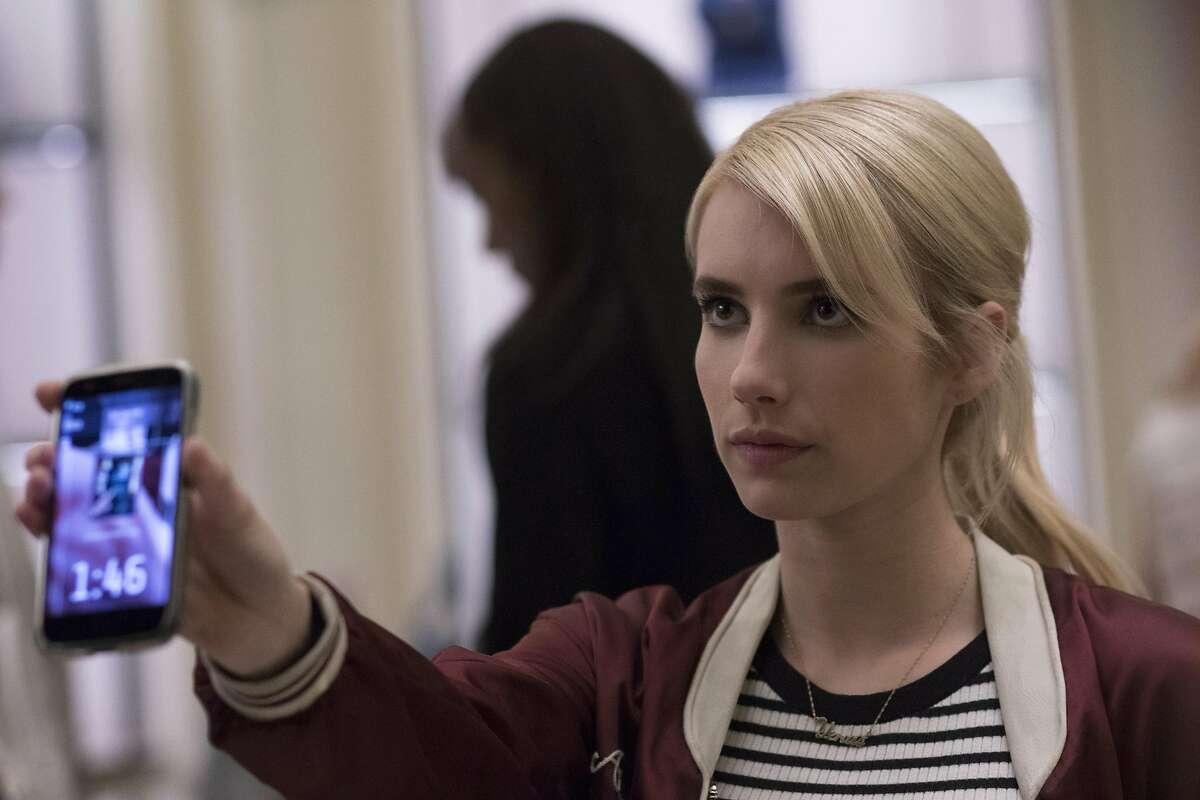 "Emma Roberts stars as Vee in ""Nerve."" (Niko Tavernise/Lionsgate/TNS)"