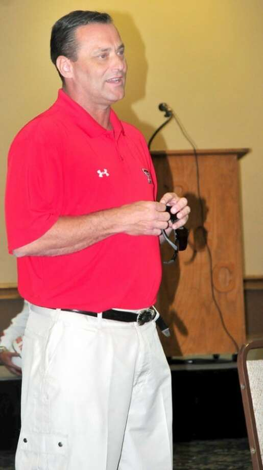 Texas Tech men's basketball coach Billy Gillispie addresses the crowd at Red Raider Day at Plainview Country Club on Monday. Photo: Summer Morgan/Plainview Herald