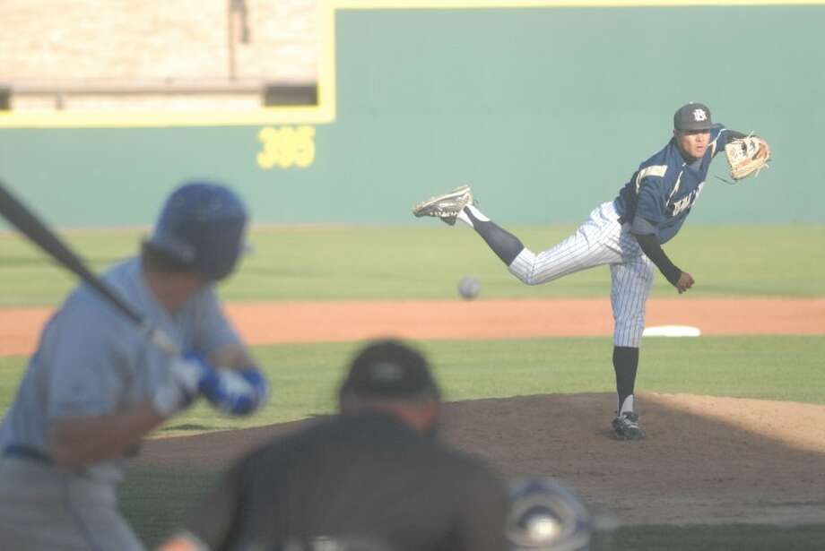 Marcus Limón pitches during a game against LCU while playing for Wayland Baptist. Photo: Ryan Thurman/Plainview Herald