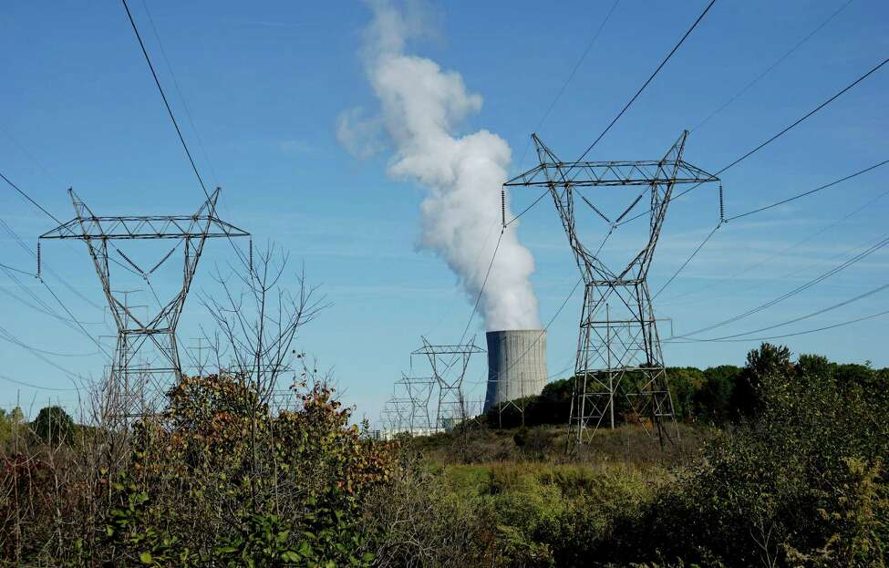 The FitzPatrick nuclear plant in Scriba, N.Y. (Stephen D. Cannerelli/The Syracuse Newspapers via AP) ORG XMIT: NYSYR102