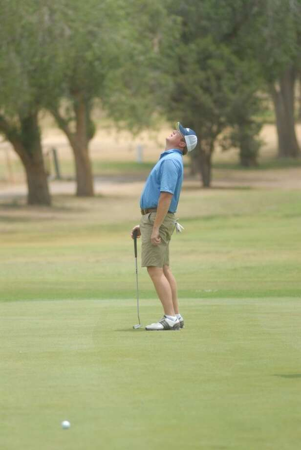 Plainview's Dr. Kent Webb reacts after missing a putt on hole No. 9 during the Jack Williams Memorial Three-Day Tournament. Photo: Ryan Thurman/Plainview Herald