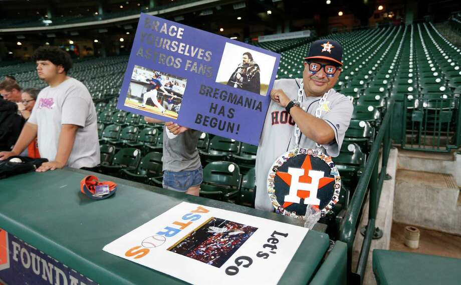Even before batting practice had been completed Monday night, Bregmania was making its presence felt at Minute Maid Park. Photo: Karen Warren, Staff / © 2016 Houston Chronicle