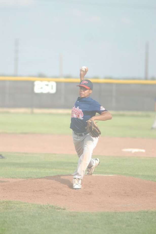 Trendon Jackson pitches on Wednesday during Plainview's game against Pampa. The local all-stars beat North Randall County twice on Thursday to qualify for Southwest Regionals. Photo: Ryan Thurman/Plainview Herald