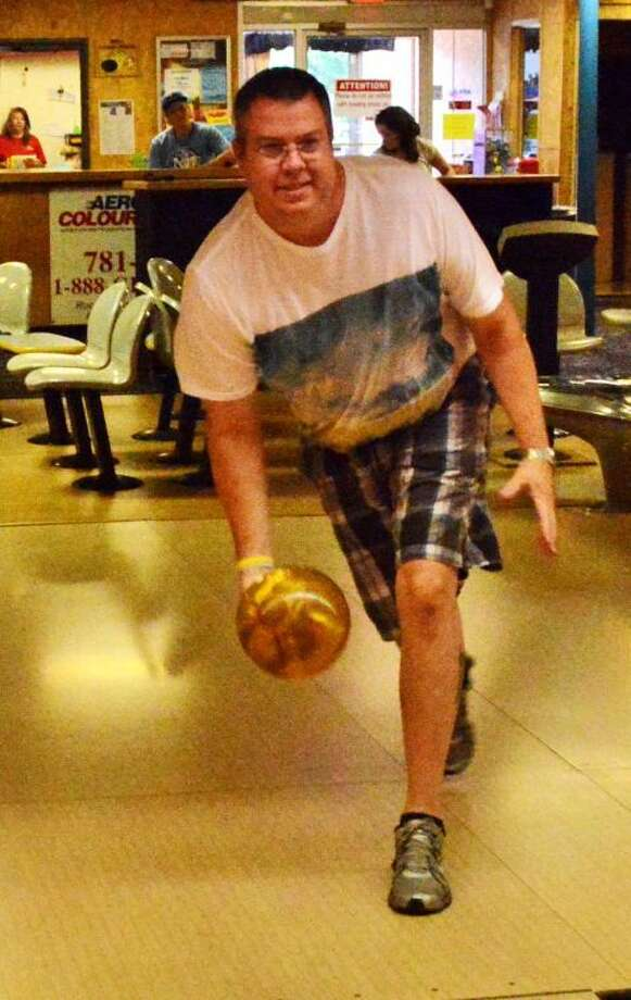 Jeff Wertz shows the form that fashioned an 800 series and a perfect 300 game. Photo: Courtesy Photo