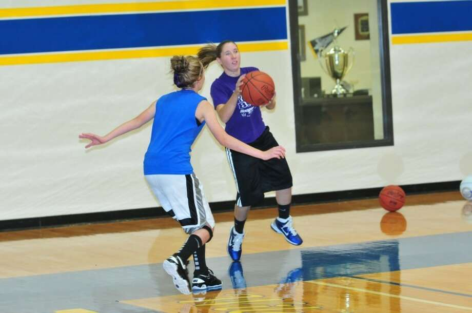 Plainview Christian sophomore Jordan Hooper snags a pass and moves in for a shot. Photo:  Homer Marquez/Plainview Herald