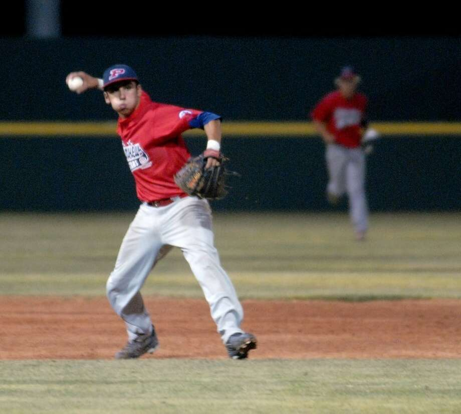 Plainview shortstop JJ Perez throws the ball to first for an out during Plainview's win friday night against Southeast Oklahoma. Photo: Richard Porter/Plainview Herald