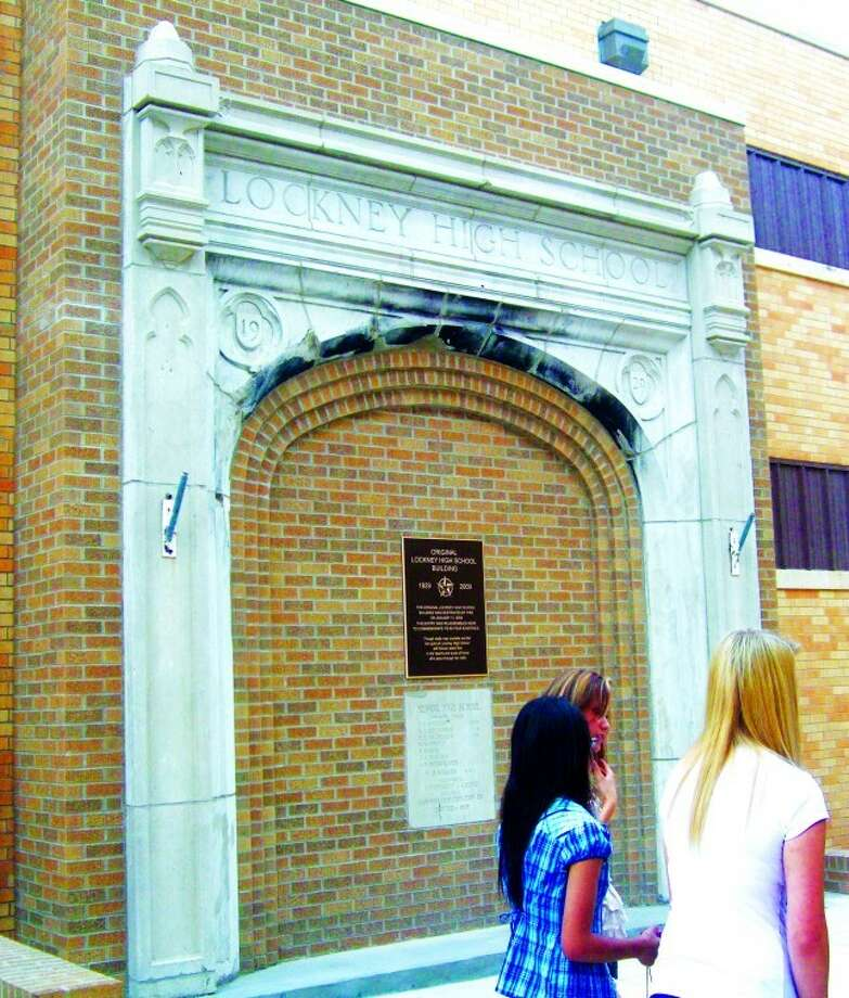The entrance to the old high school stands as a memorial in the newly-finished courtyard that will serve as a place for students to hang out before classes begin each day.  Photo: Jessica Thornton/Plainview Herald