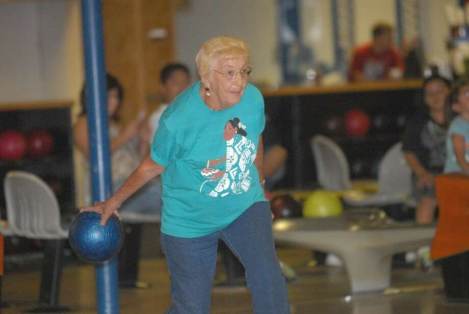 Avid bowler Doris Pierce throws it right down the middle at the alleys of the Plainview Bowling Center. Photo: Homer Marquez/Plainview Herald