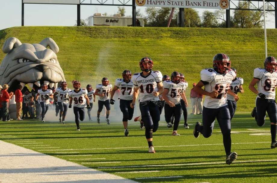 The Plainview Bulldogs kicked off their 2012 season with their opener at Canyon Randall. Next week the Dogs make return to the north as the take on Palo Duro Thursday.