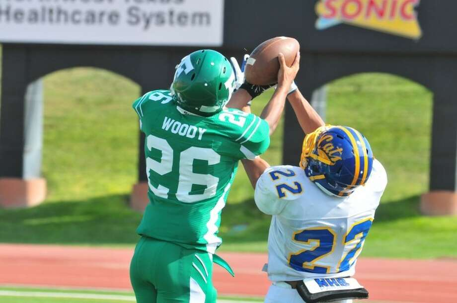 Can Jordan Woody continue to make spectacular plays for the Whirlwinds this week? Photo: Ryan Thurman/Plainview Herald