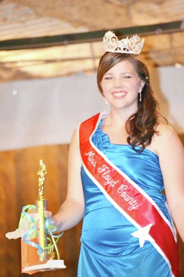 Miss Floyd County 2011 is Darby Long, who was selected Saturday afternoon during the Floyd and Surrounding Counties Fair. First runner-up is Reeda Sustaita of Lockney. Photo: Courtesy Photo By Gracie De Le Fuente