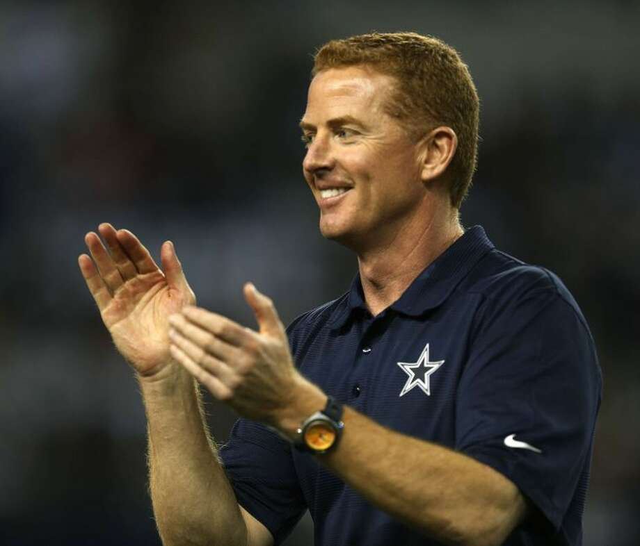 Jason Garrett appears to have survived to coach another year in Dallas despite another 8-8 season in which the Cowboys missed the playoffs. Photo: Rodger Mallison/Fort Worth Star-Telegram/MCT