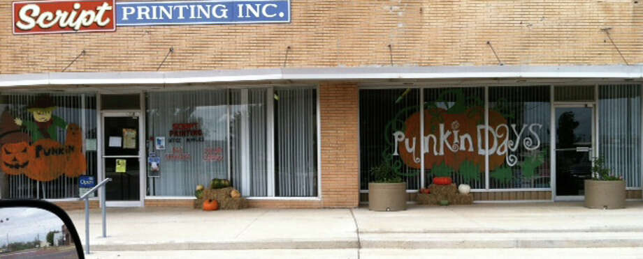 The Floydada High School art class helped get downtown businesses, Script Printing, for the 25th Annual Punkin Days celebration, which is Saturday. Photo: Angie Gonzales/Courtesy Photo