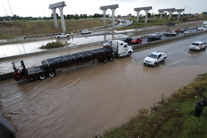 A photograph of high water on the Southwest Freeway near FM 762 in Fort Bend County, Texas on July 26, 2016.