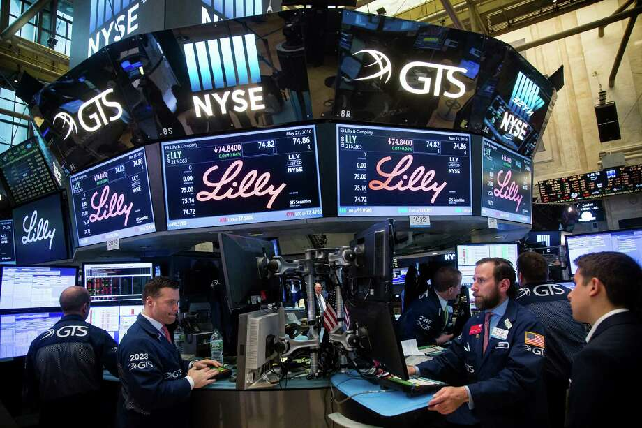 The smallest of its U.S. major pharmaceutical peers by market value, Lilly had regained momentum by beating profit estimates for four straight quarters, starting with the fourth period of 2014, though it's fallen short in the last two. Photo: Michael Nagle /Bloomberg News / © 2016 Bloomberg Finance LP