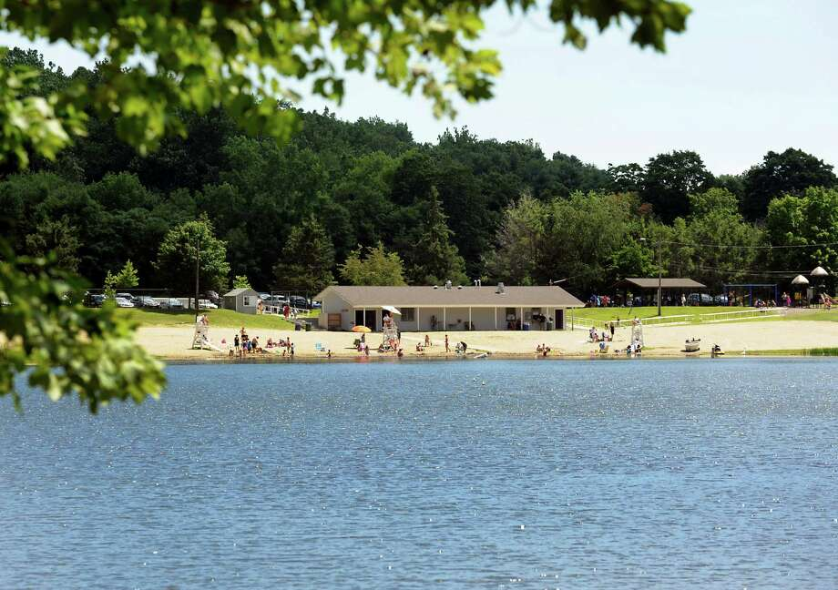 The beach at Lake Mohegan in Fairfield, Conn. on Friday Aug. 2, 2013 Photo: Cathy Zuraw / Cathy Zuraw / Connecticut Post