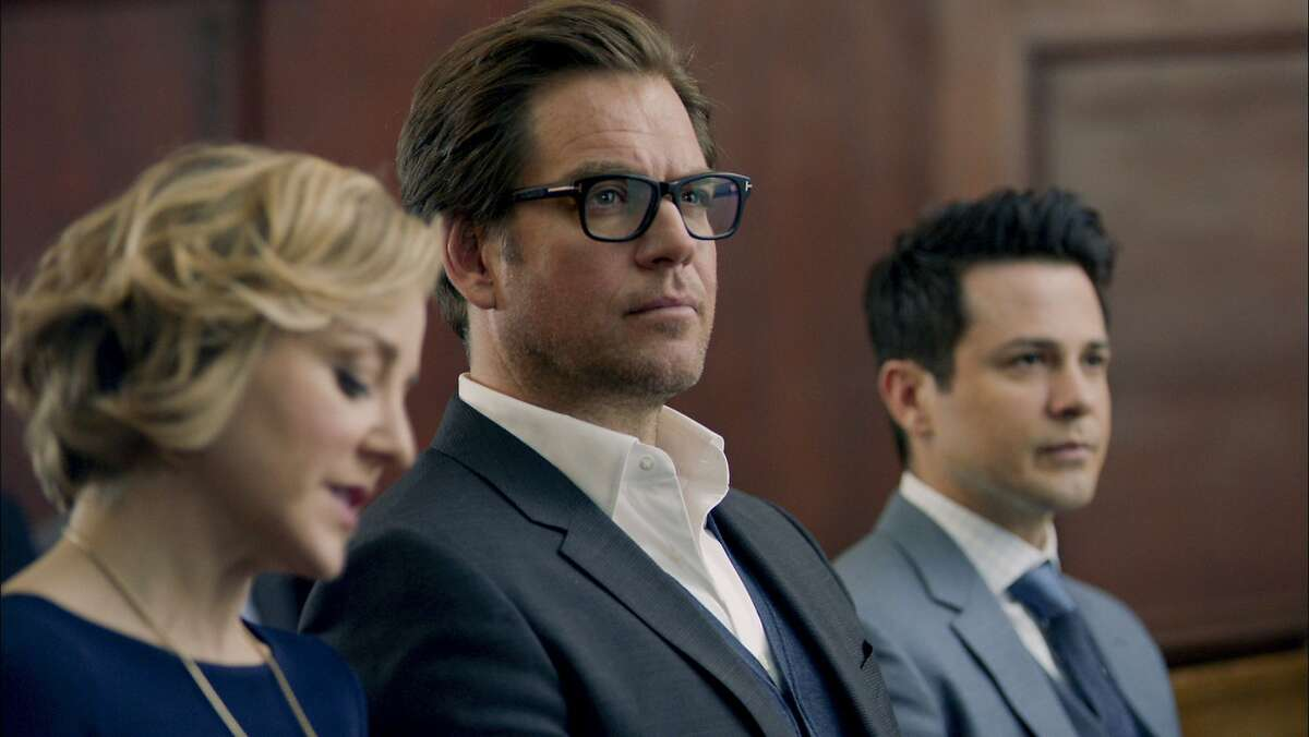 Michael Weatherly (center) plays Dr. Jason Bull in CBS' sizzling new legal drama 'Bull,' which was inspired by the early career of Dr. Phil McGraw, who founded a successful trial consulting firm. His team includes Benny Colón (Freddy Rodriguez), a defense attorney in mock trials, and Marissa Morgan (Geneva Carr), aneurolinguistics expert.
