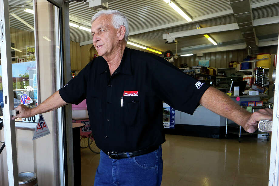 Ed Homan, owner of A to Z Rentals in Converse, opens the doors to his shop in Converse. Homan was one of 14 small-business veterans honored by the city's Economic Devvelopment Corp. on July 14. Photo: Marvin Pfeiffer /San Antonio Express-News / Express-News 2016