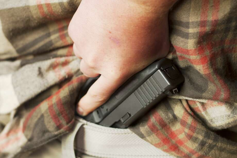 Common questions about Texas' campus carry law Here's a primer on the Texas campus carry law, which went into effect Aug. 1, 2016.Click through to get the lowdown on the newest state gun law... Photo: RonBailey/Getty Images