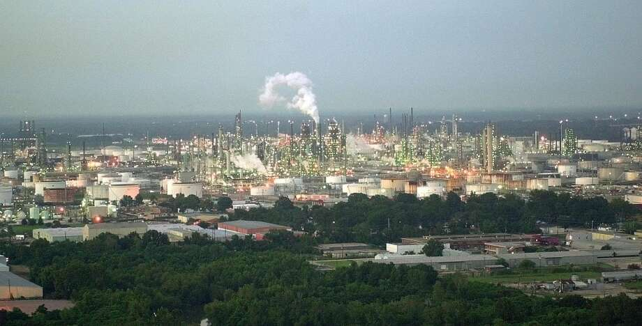 Amount502,000 bbl/day CompanyExxon MobilLocationBaton Rouge, La. Photo: BILL HABER, AP