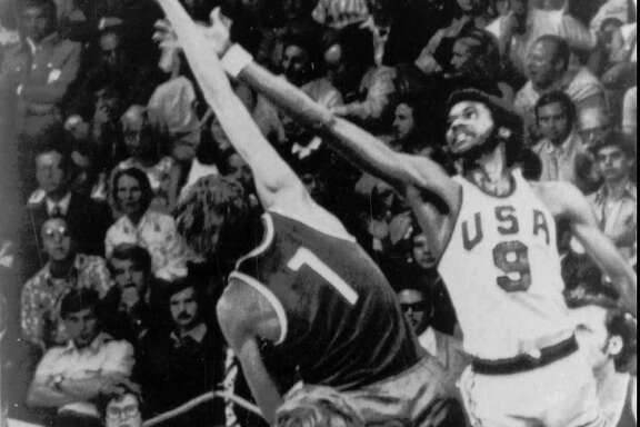 Dwight Jones, right, was involved in one of basket-ball's most controversial games, the United States' loss to the Soviet Union in the 1972 Olympic final.