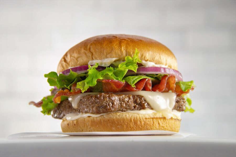 Bacon Mozzarella Burger Gets Extra Kick Of Flavor From Garlic Houstonchronicle Com